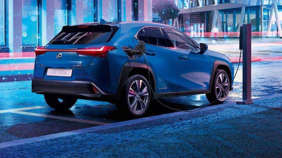 Nuova Lexus UX 200e elettrica 2021